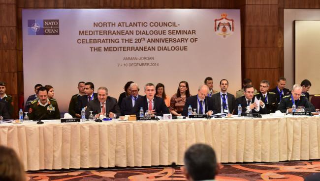 A Mediterrán Dialógus 20. évfordulójának ülése. (Forrás: nato.int)