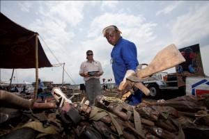 kongo-elkobzott-fegyverek