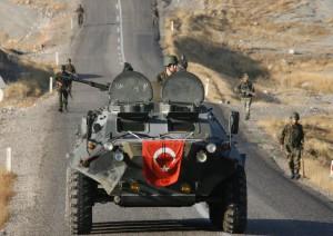 Török katonák járőröznek Forrás: www.spiegel.de, a letöltés dátuma: 2015.10.21.