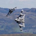 A brit királyi légierő Tornado GR4 vadászbombázói. (A kép forrása: theaviationist.com)