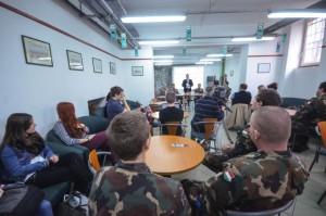 A beszélgetés résztvevői 2016. március 1-jén a Nemzeti Közszolgálati Egyetemen (Forrás: http://uni-nke.hu/hirek/2016/03/02/a-del-szlav-haboru-egyik-legnagyobb-konfliktusara-emlekeztek)