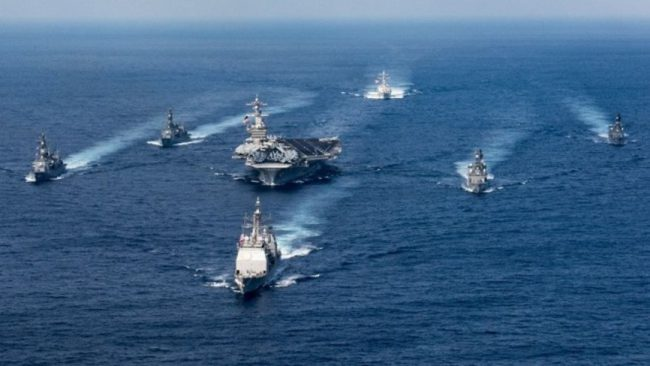 Kép forrása: http://www.foxnews.com/world/2017/04/14/powerful-uss-carl-vinson-steams-toward-north-korea.html